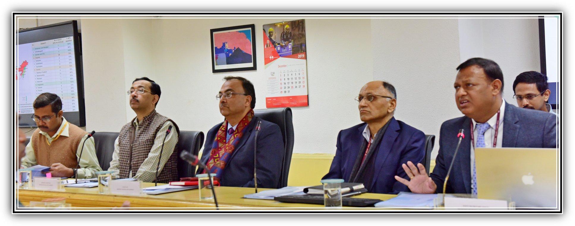 9 दिसंबर, 2019 को ग्रामीण विकास मंत्री श्री अमरजीत सिन्हा की अध्यक्षता में राष्ट्रीय स्तर की समिति की बैठक।