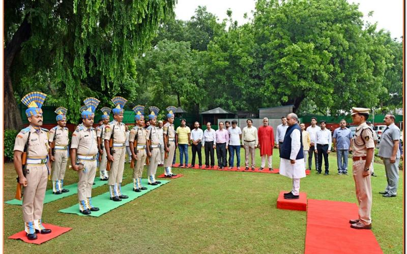 Flag Hoisting by Shri Narendra Singh Tomer ,Hon'ble Minister of Rural Development, Panchayati Raj & Agriculture & Farmers Welfare on 15th August, 2019 on the occasion of Independence Day at 3, Krishna Menon Marg, New Delhi.