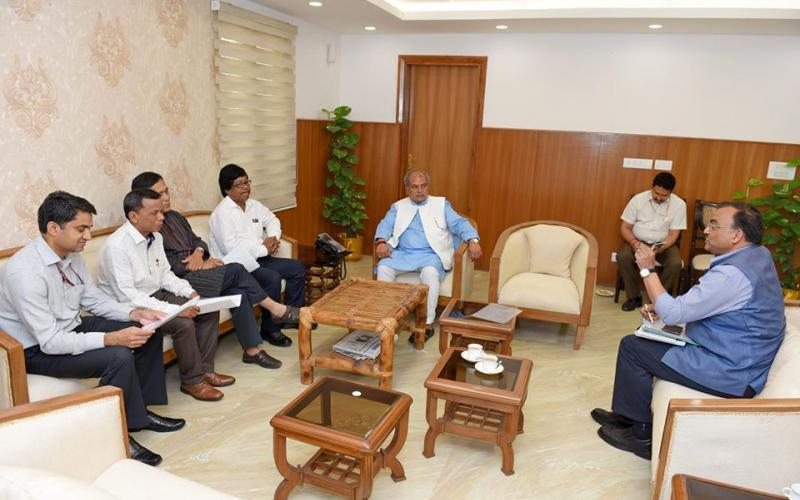 Hon'ble Minister of Rural Development, Shri Narendra Singh Tomar meeting with Hon'ble Minister for Forest, Rural Development Shri Naresh Ch. Jamatia, Government of Tripura on 3rd May, 2017