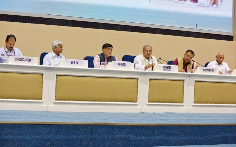 Minister of Rural Development, Shri Narendra Singh Tomar and Minister of State for Rural Development and Land Resources Shri Ram Kripal Yadav meeting with State Principal Secretaries at Vigyan Bhawan, New Delhi on 22nd April, 2017