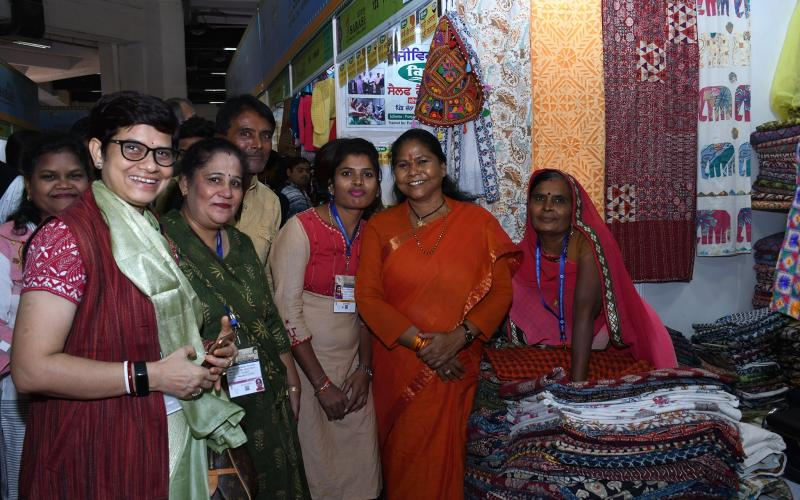 Minister of State, Rural Development, Sadhvi Niranjan Jyoti Ji visited #SarcITF2019 on Monday.
