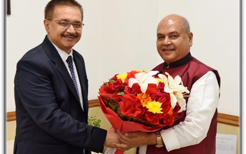 Hon'ble Minister of Rural Development, Agriculture & Panchayati Raj , Shri Narendra Singh Tomar is meeting with Dr Manoj Nardeo Singh, Secretary General, AARDO on 11th October, 2019 at Ministry of Rural Development, Government of India.