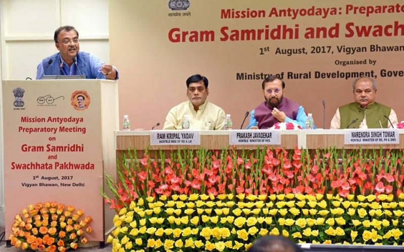 Preparatory meeting on Gram Samridhi and Swachatta Pakhwada presided by Minister for Rural Development Shri Narendra Singh Tomar, on 1st August, 2017 at Vigyan Bhawan, New Delhi.