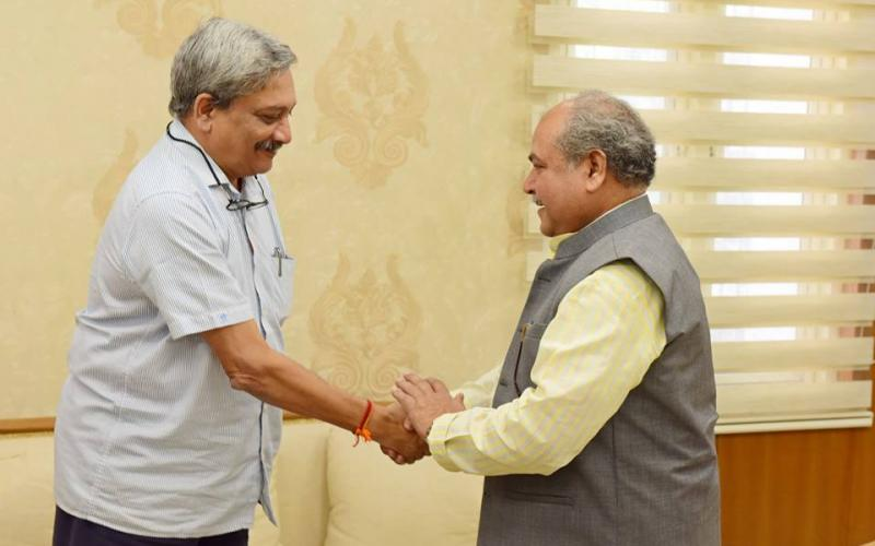Hon'ble Minister of Rural Development, Shri Narendra Singh Tomar meeting with Hon'ble Chief Minister of Goa, Shri Manohar Parikar on 2nd November, 2017