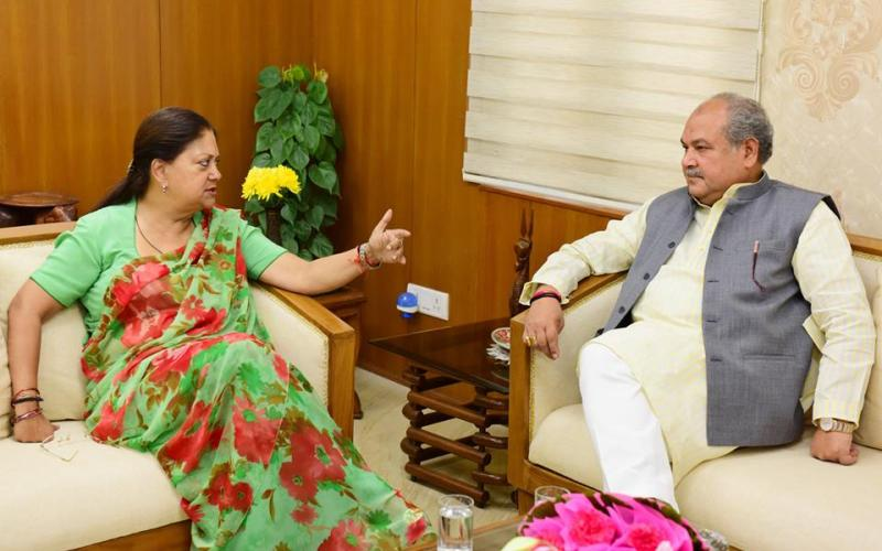 Hon'ble Minister of Rural Development, Shri Narendra Singh Tomar meeting with Hon'ble Chief Minister of Rajasthan, Smt. Vasundhara Raje on 2nd November, 2017